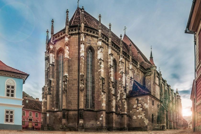 """""""Biserica Neagra, Brasov, Romania"""" von Vlad Moldovean - Eigenes Werk. Lizenziert unter CC-BY-SA-3.0-ro über Wikimedia Commons."""